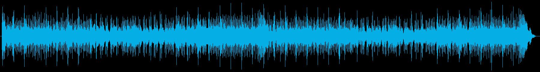低シンセサイザーパッドとバスドラム...の再生済みの波形