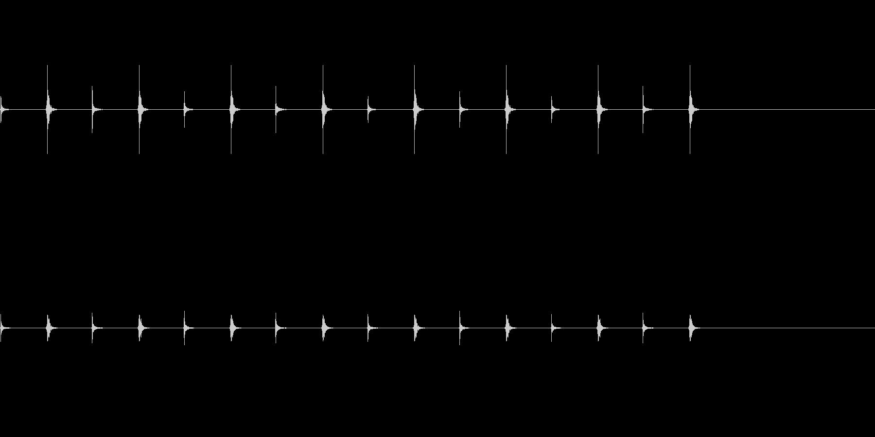 チクタクと音を立てる時計の針の音の未再生の波形