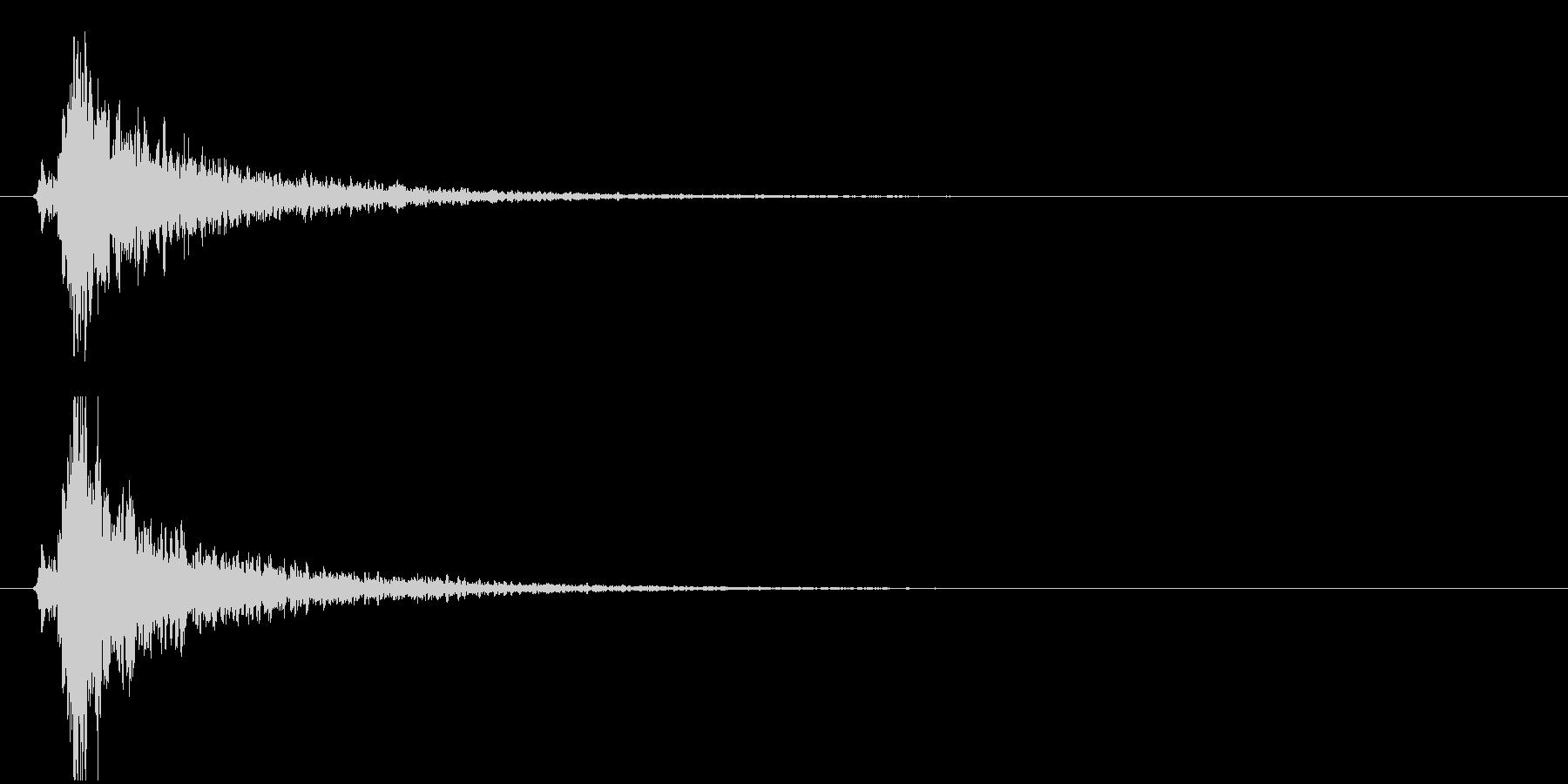 残響の強い鈴(シャーーン!)の未再生の波形