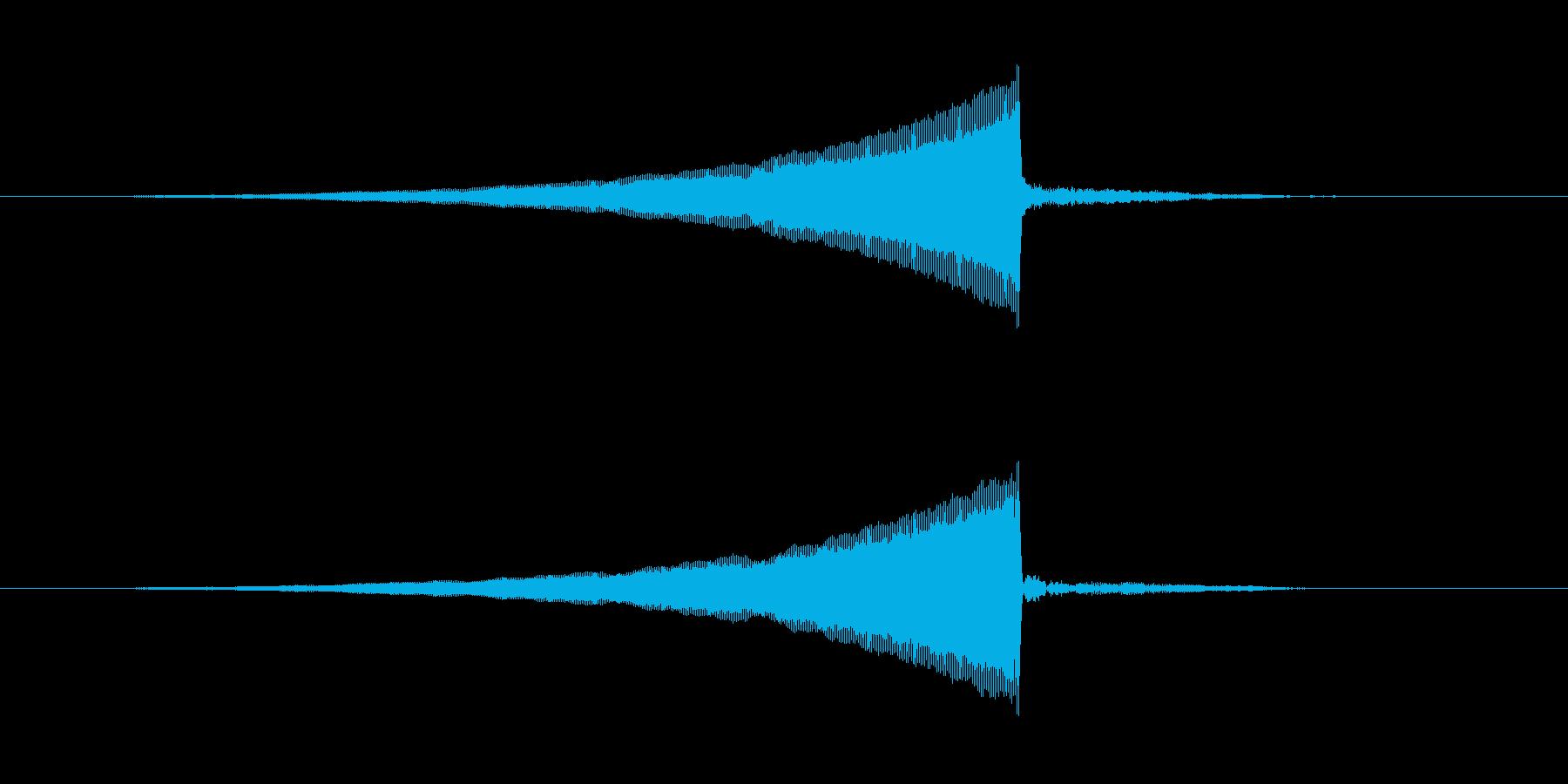 ホラーの一瞬の振り返り演出音長めの再生済みの波形