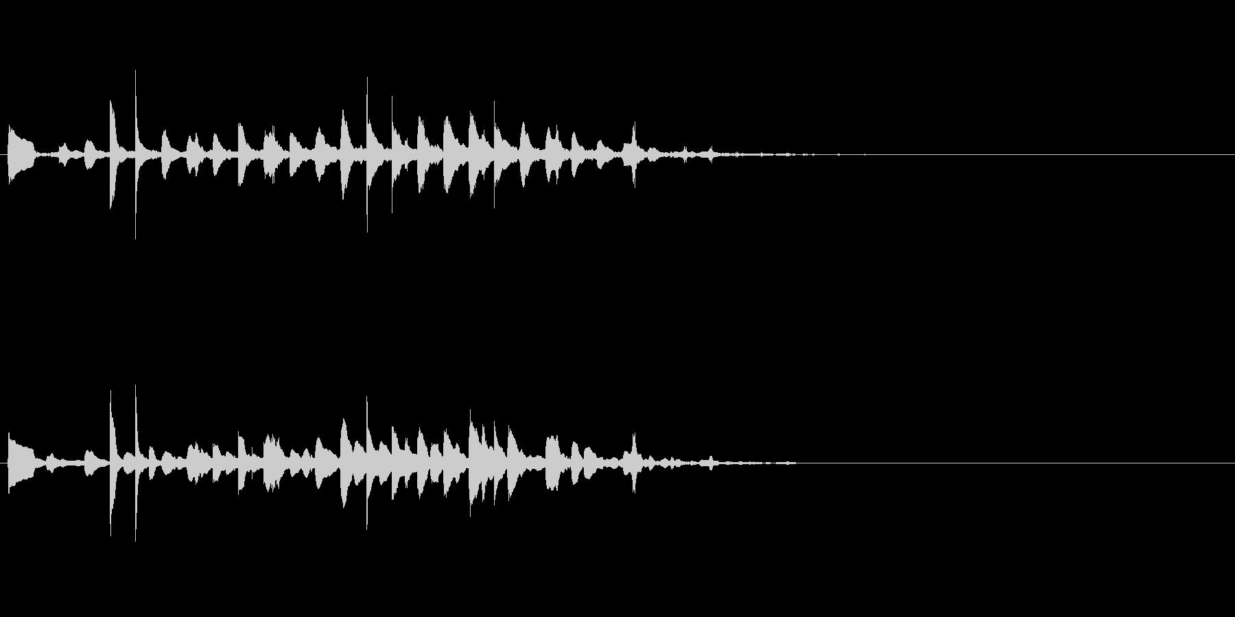 クリアで澄んだアラームの音の未再生の波形