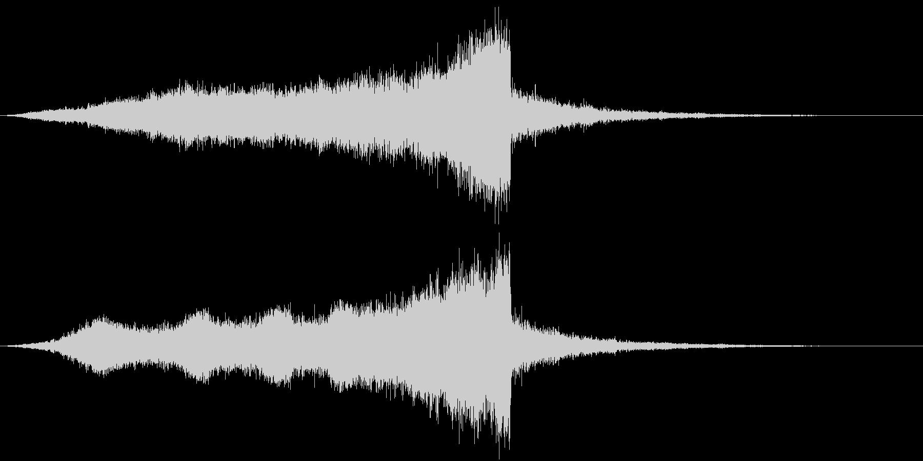 CINEMATIC RISER_01の未再生の波形
