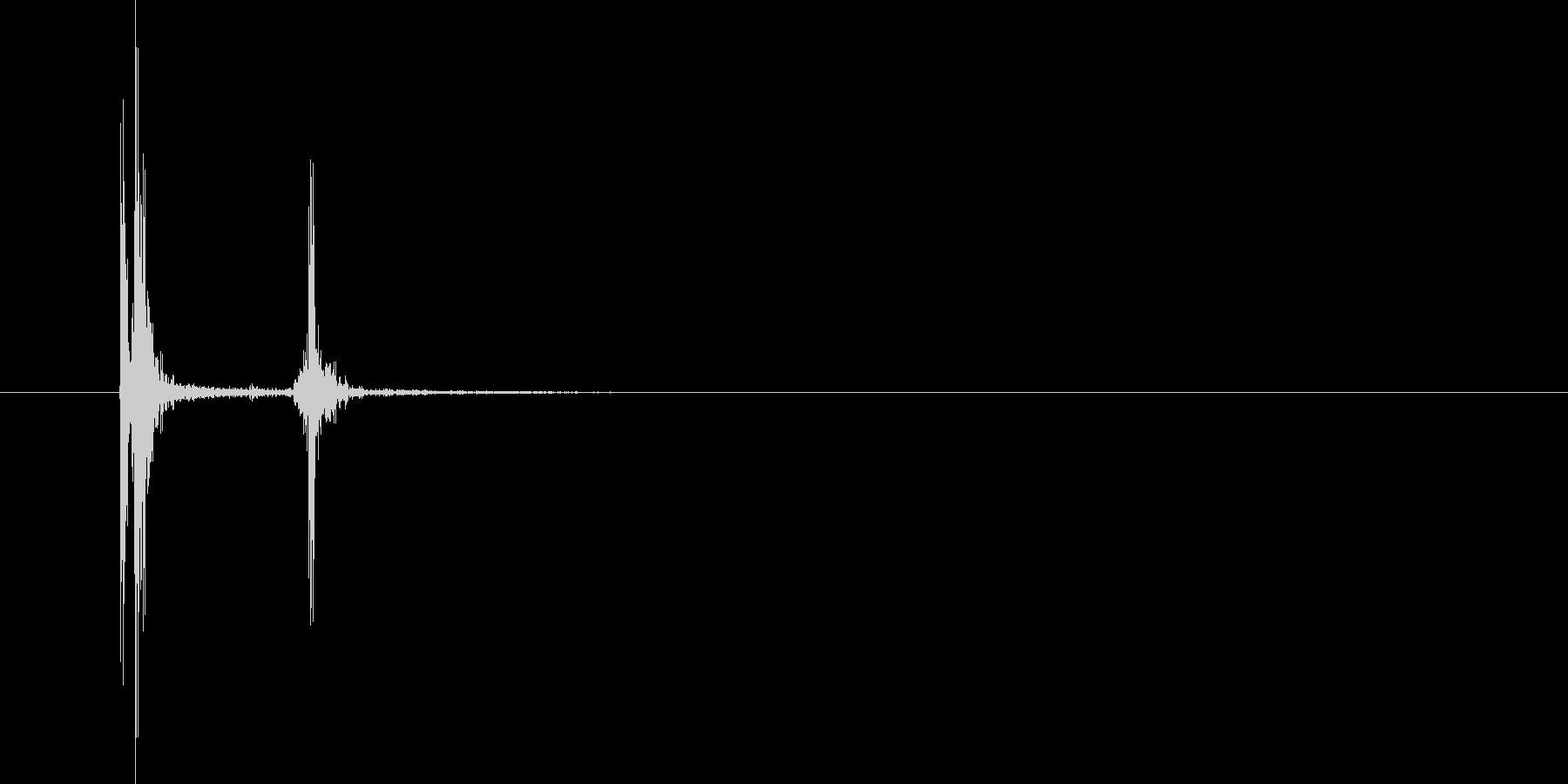 エンターキー_パソコン_キーボード_弱めの未再生の波形