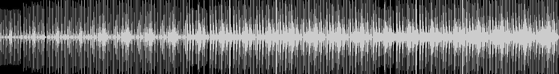 少し怪しげな雰囲気なエスニックなBGMの未再生の波形