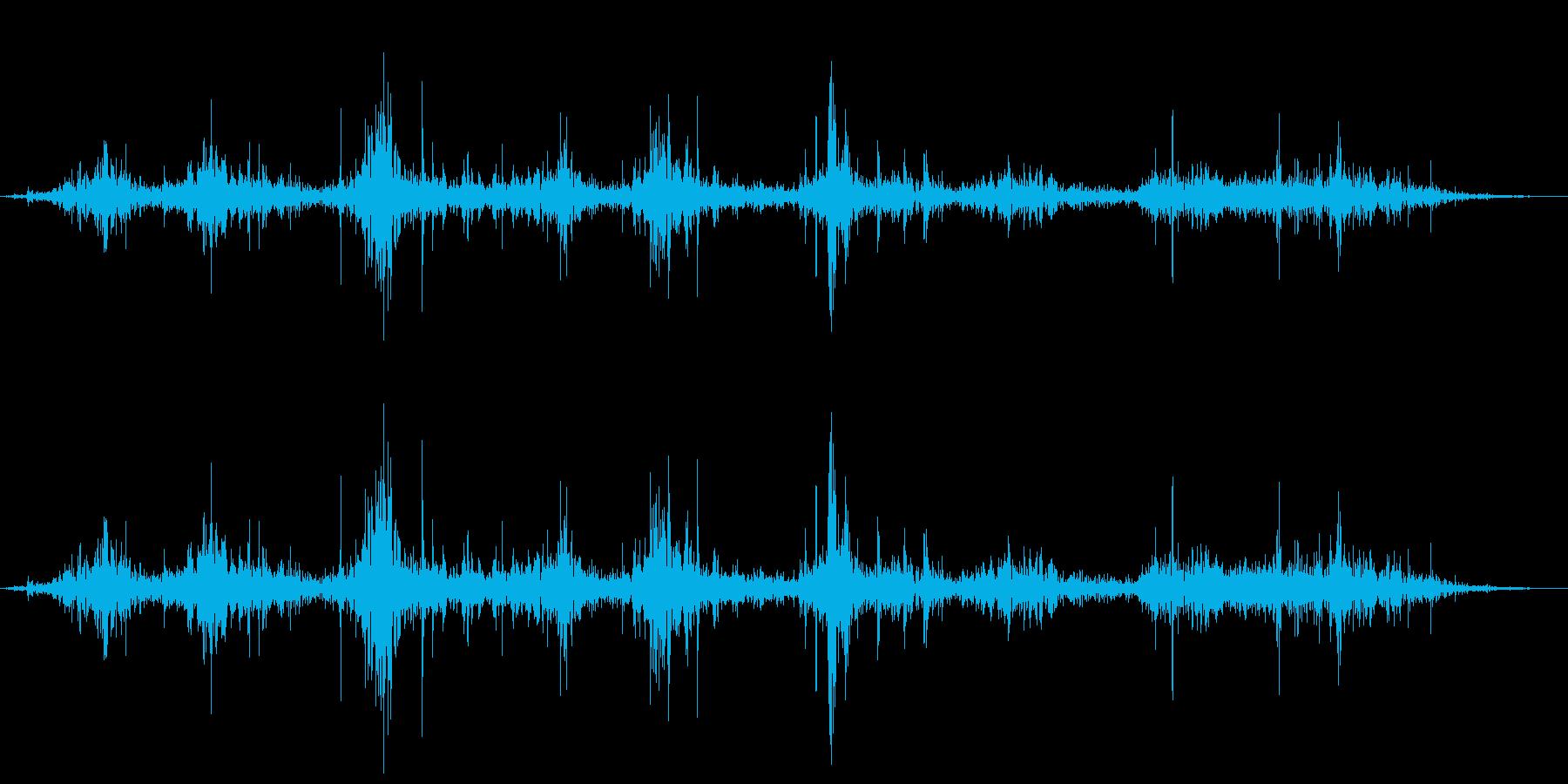 クロス・布・バタバタとはためくの再生済みの波形