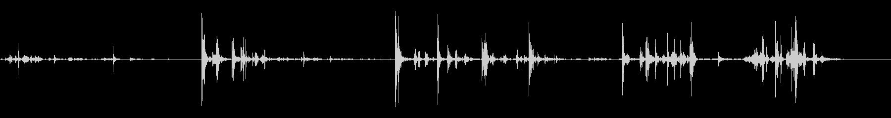 さまざまなロックのヒットとタンブルの未再生の波形