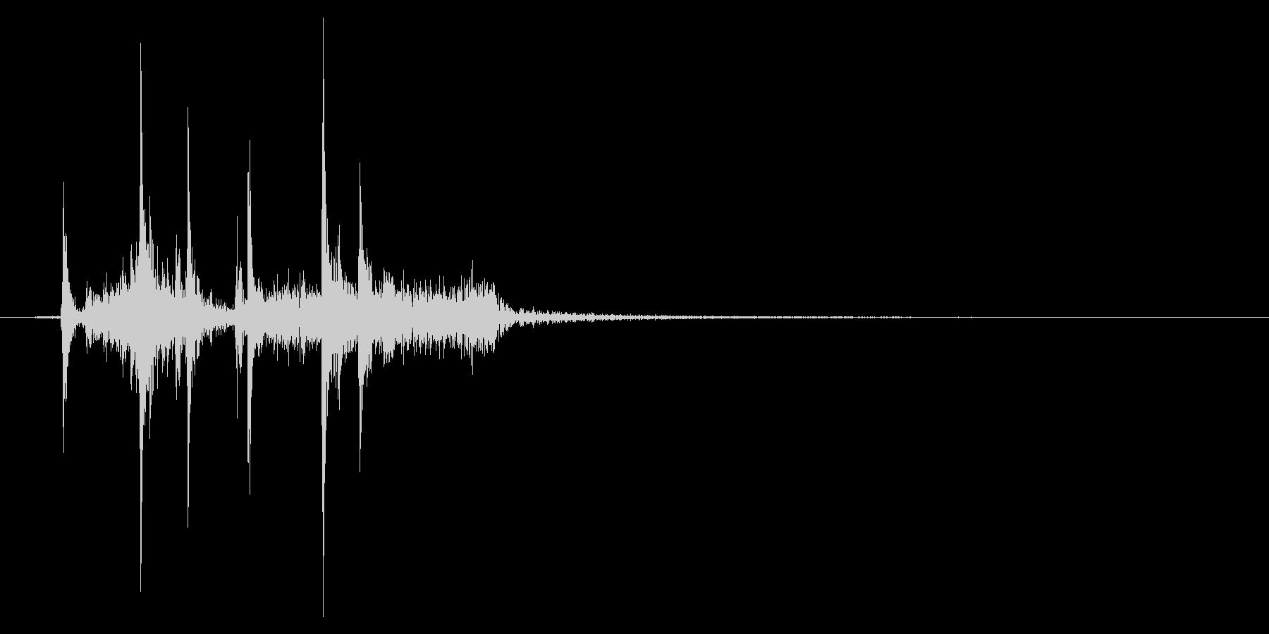 カシャ(カメラのシャッター音)の未再生の波形
