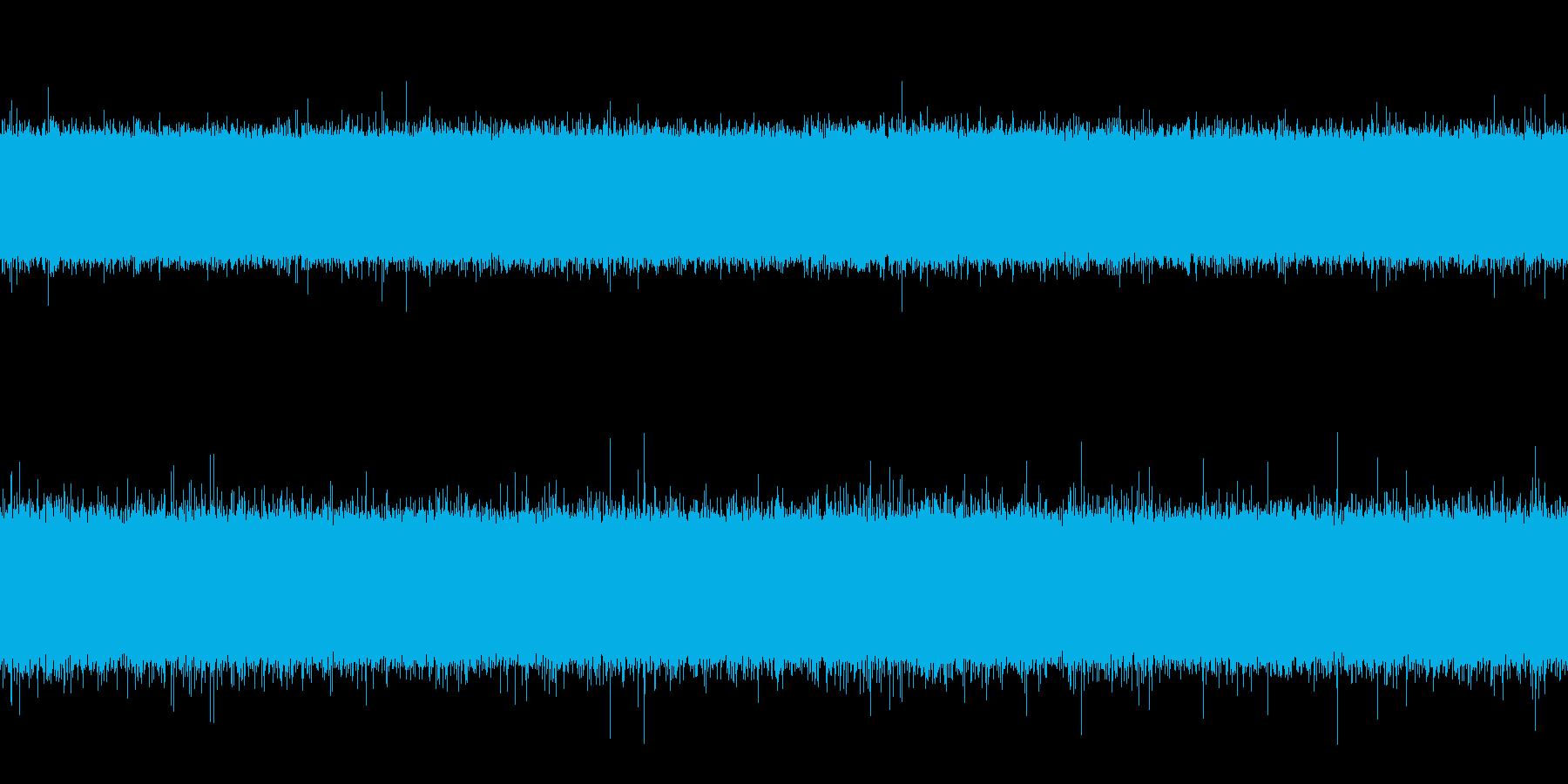 排水路と川の中間くらいの水の音 ループの再生済みの波形