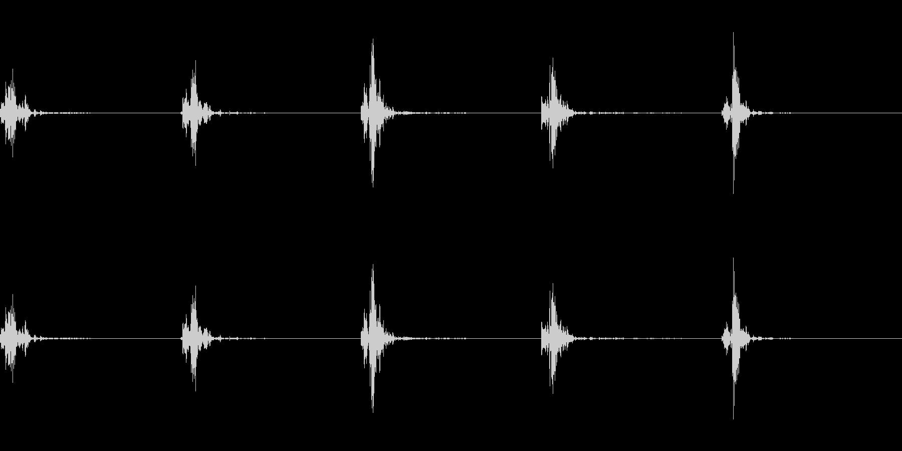 神楽鈴(小)を弱く振って鳴らした音の未再生の波形