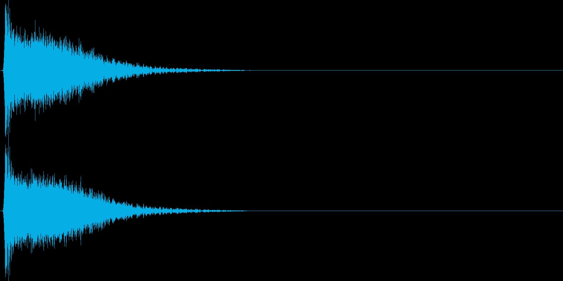 強いインパクトのある音[ギュイーン]の再生済みの波形