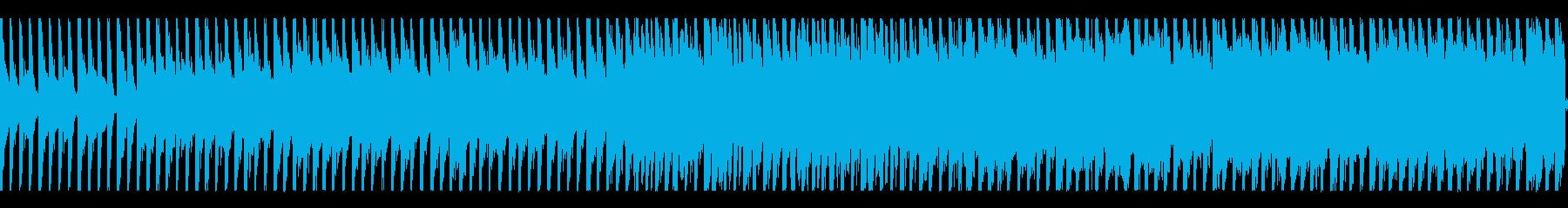 怪しい雰囲気の4つ打ちピアノナンバーの再生済みの波形