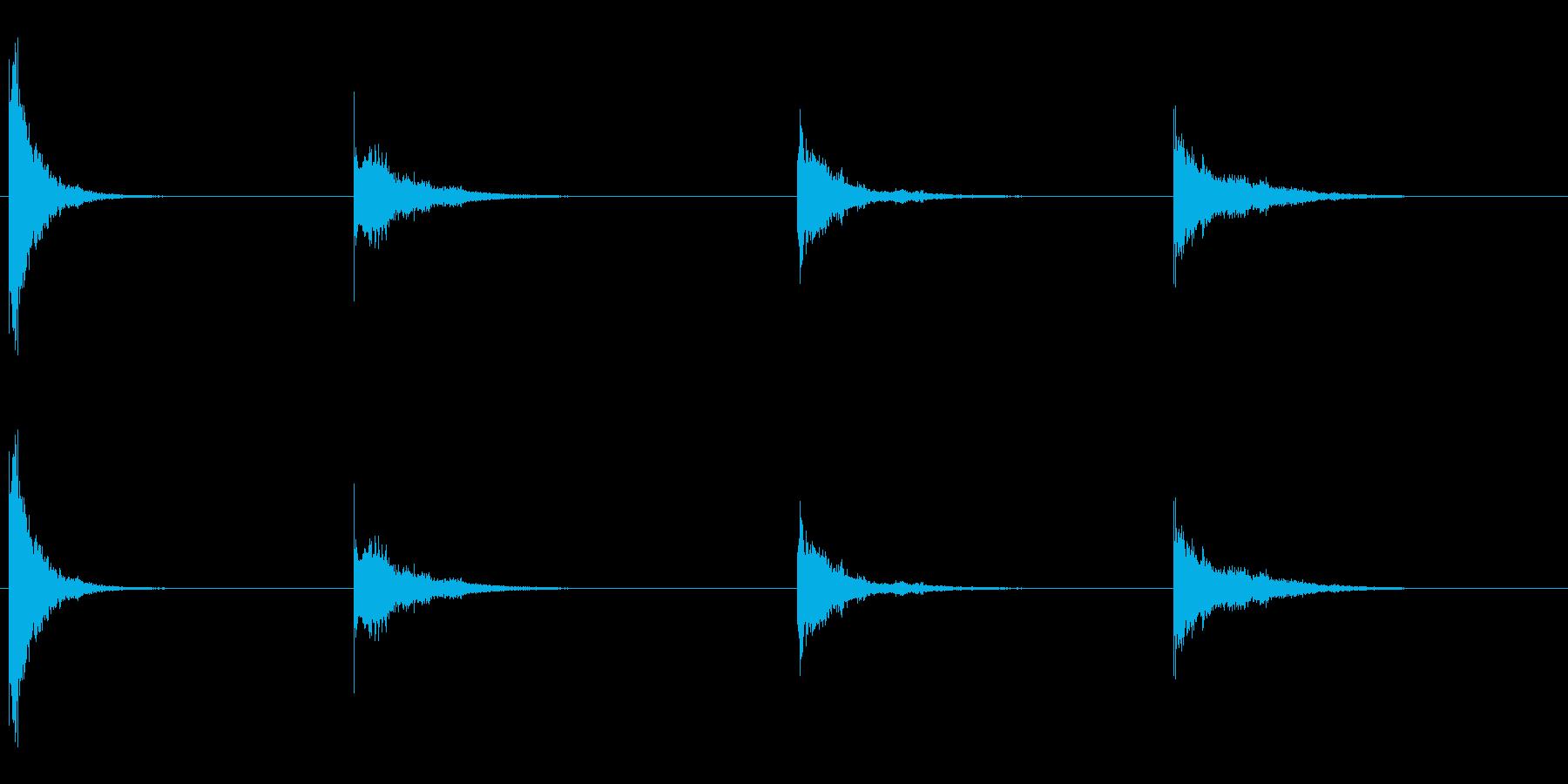 薄いずさんな金属の打撃と振動、4Xの再生済みの波形