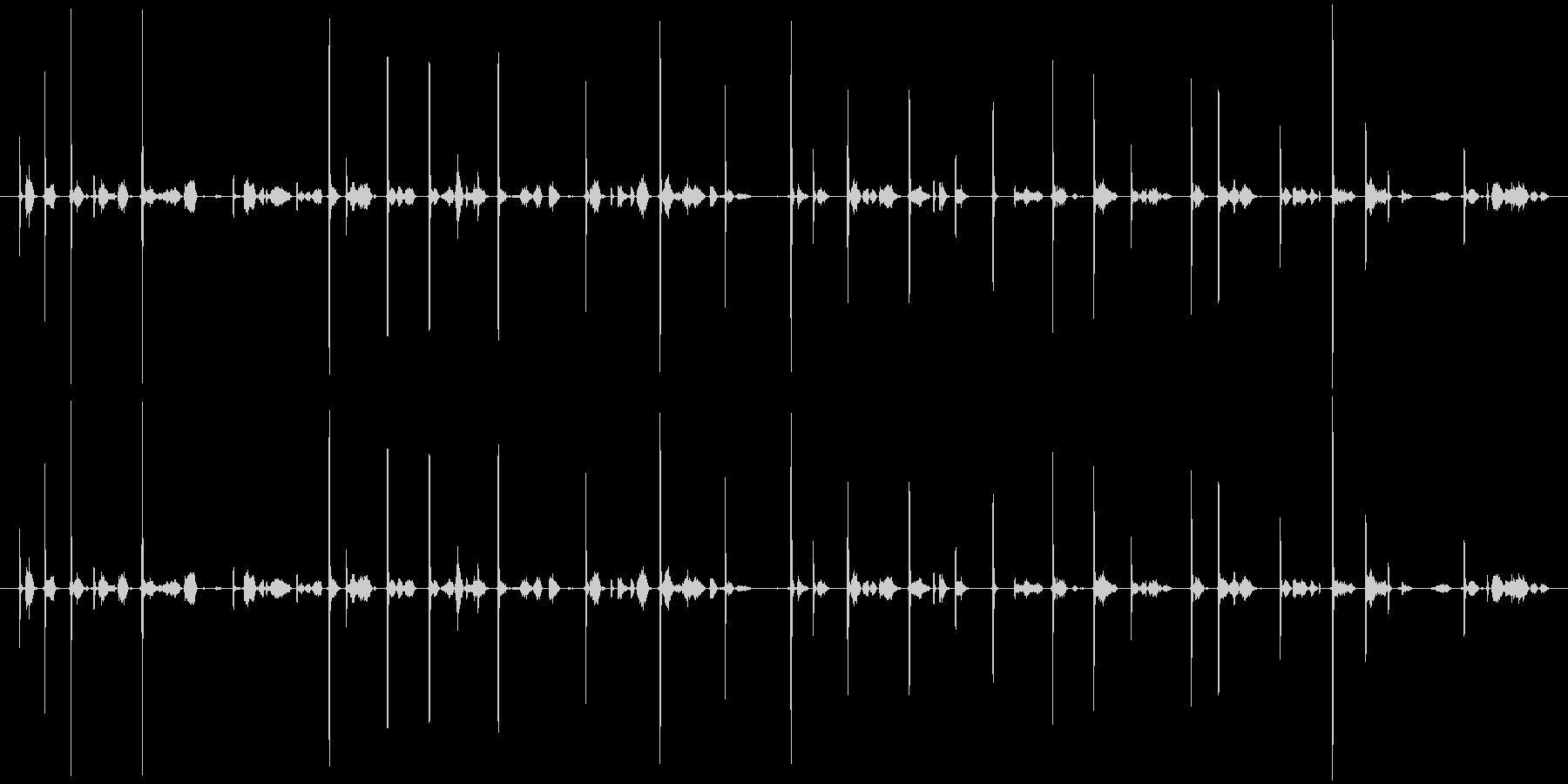 カキカキ(鉛筆で文字を書く音)木の板Bの未再生の波形