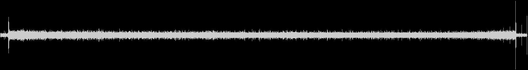 カセットテープのヒスノイズ(サーー)の未再生の波形