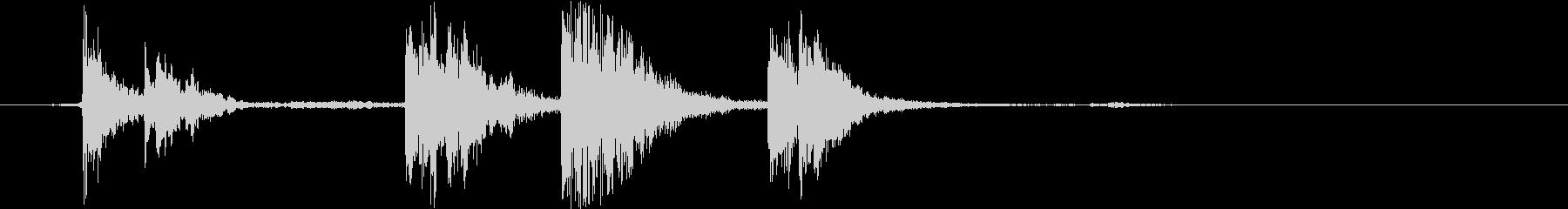 カチャン(お皿を積み重ねる音)Aの未再生の波形