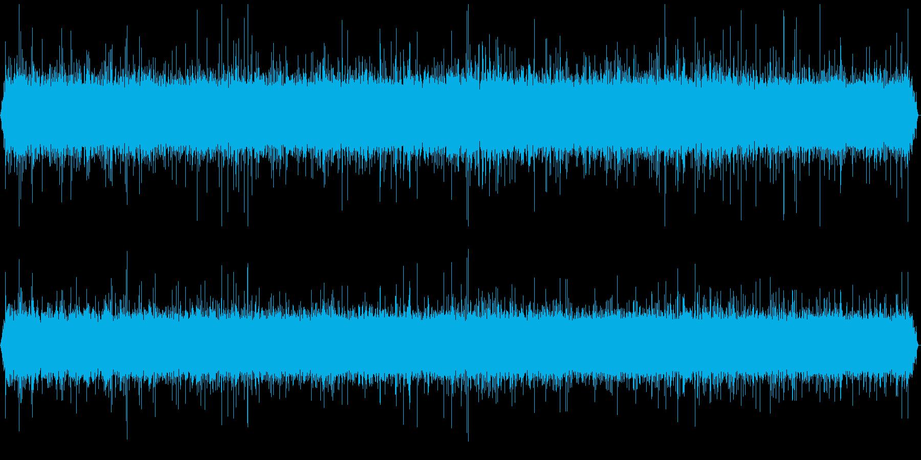 北海道の山奥にある、名も無き小さな滝の音の再生済みの波形
