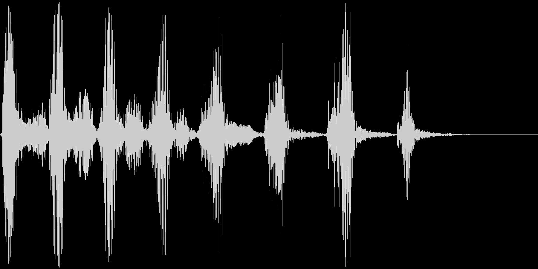 アメリカ人男性 笑い声の未再生の波形
