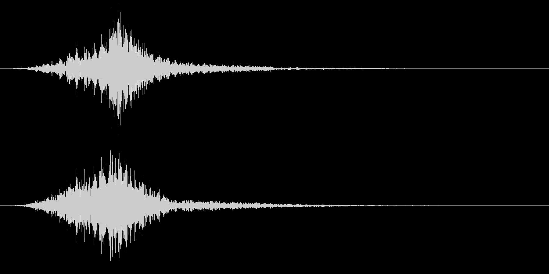 ビリ・・・(電撃音)の未再生の波形