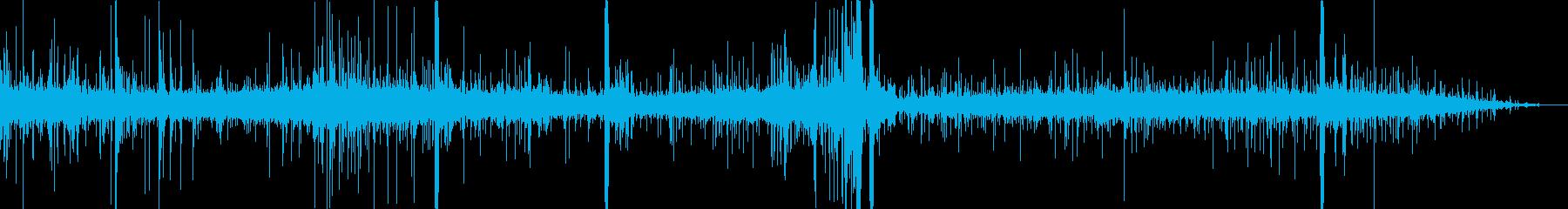 雨風が雨戸を打つ音の再生済みの波形