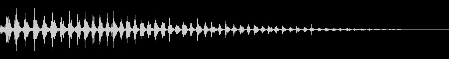 虫が飛び立つ音 竹とんぼ プロペラ飛行の未再生の波形
