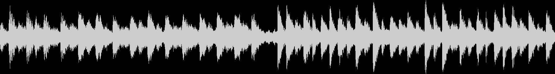 不気味な鐘とレコードノイズのループ用楽曲の未再生の波形