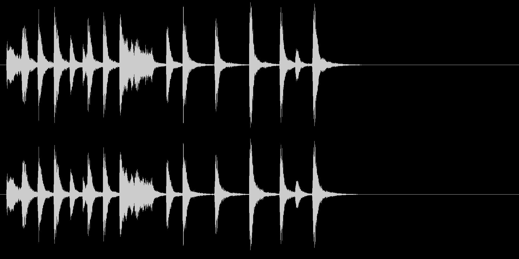 ピアノの明るくほのぼのとしたジングルの未再生の波形