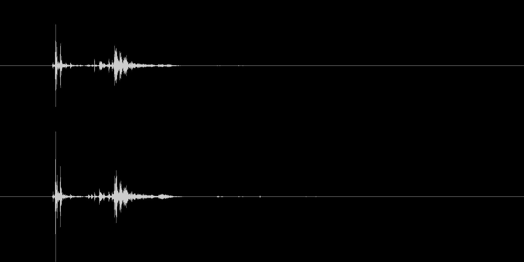ポチャン(優しく水が弾ける音)の未再生の波形
