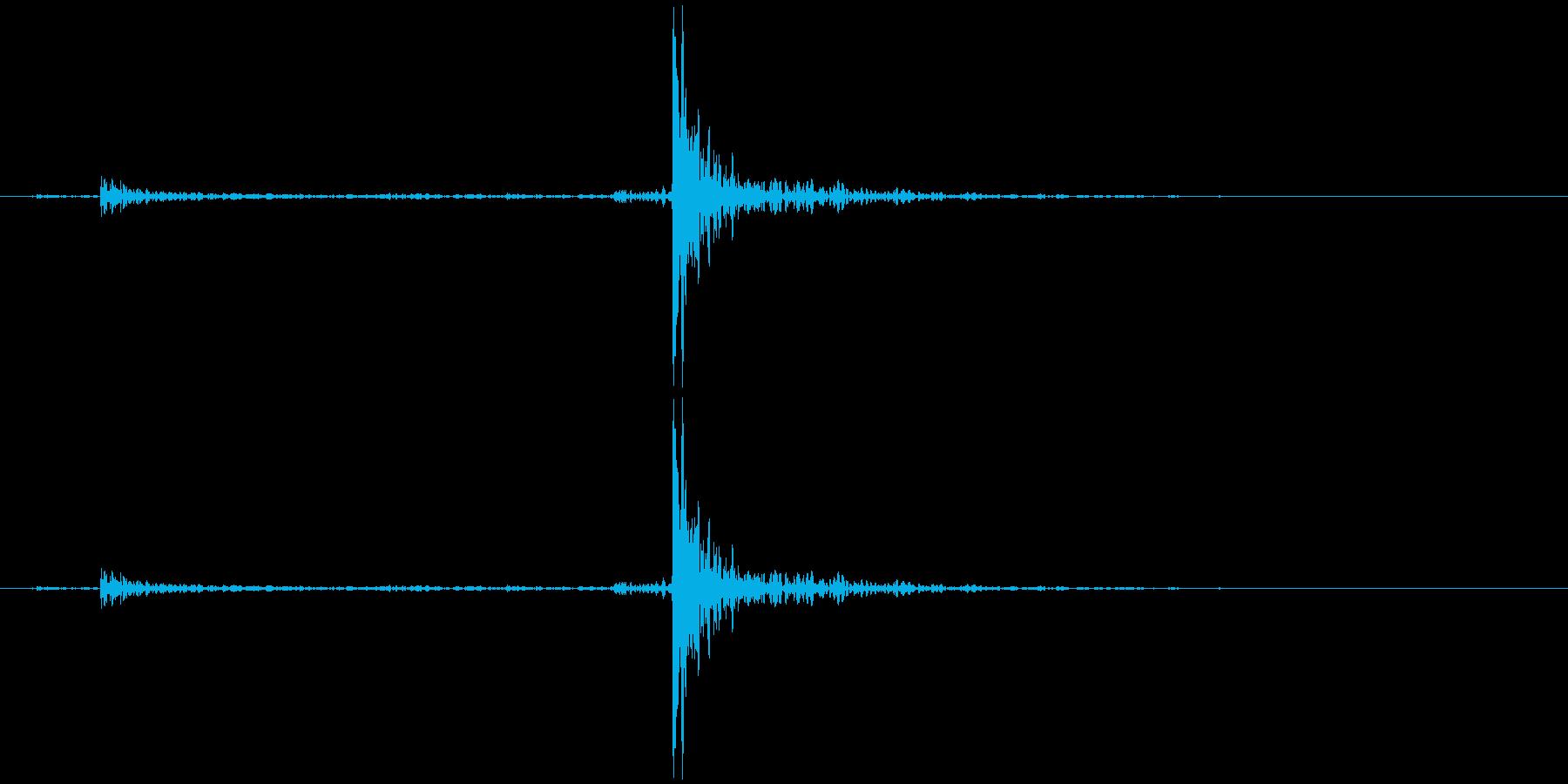 プッシュバーラッチハンドル付きメタ...の再生済みの波形