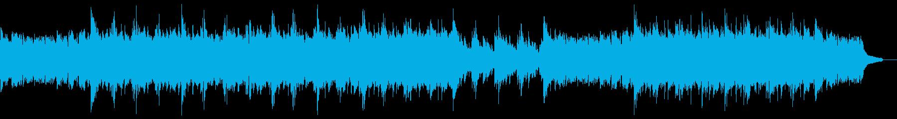 雄大なピアノアルペジオ:高音弦と打楽器無の再生済みの波形