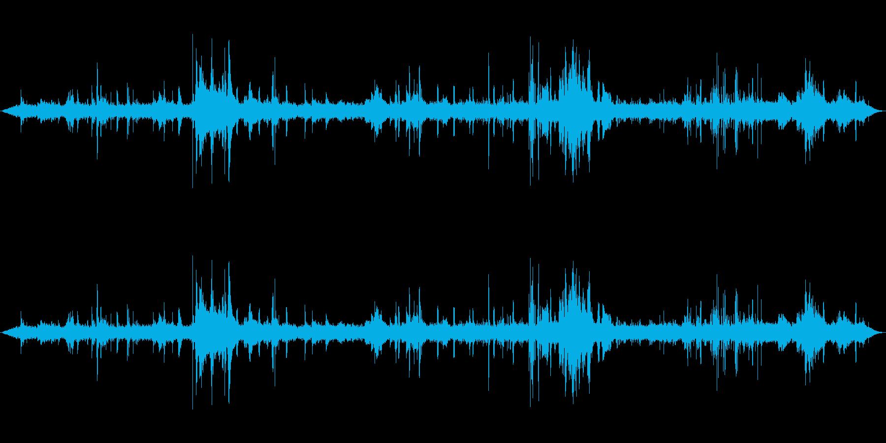 地下鉄のプラットフォーム-Hum ...の再生済みの波形