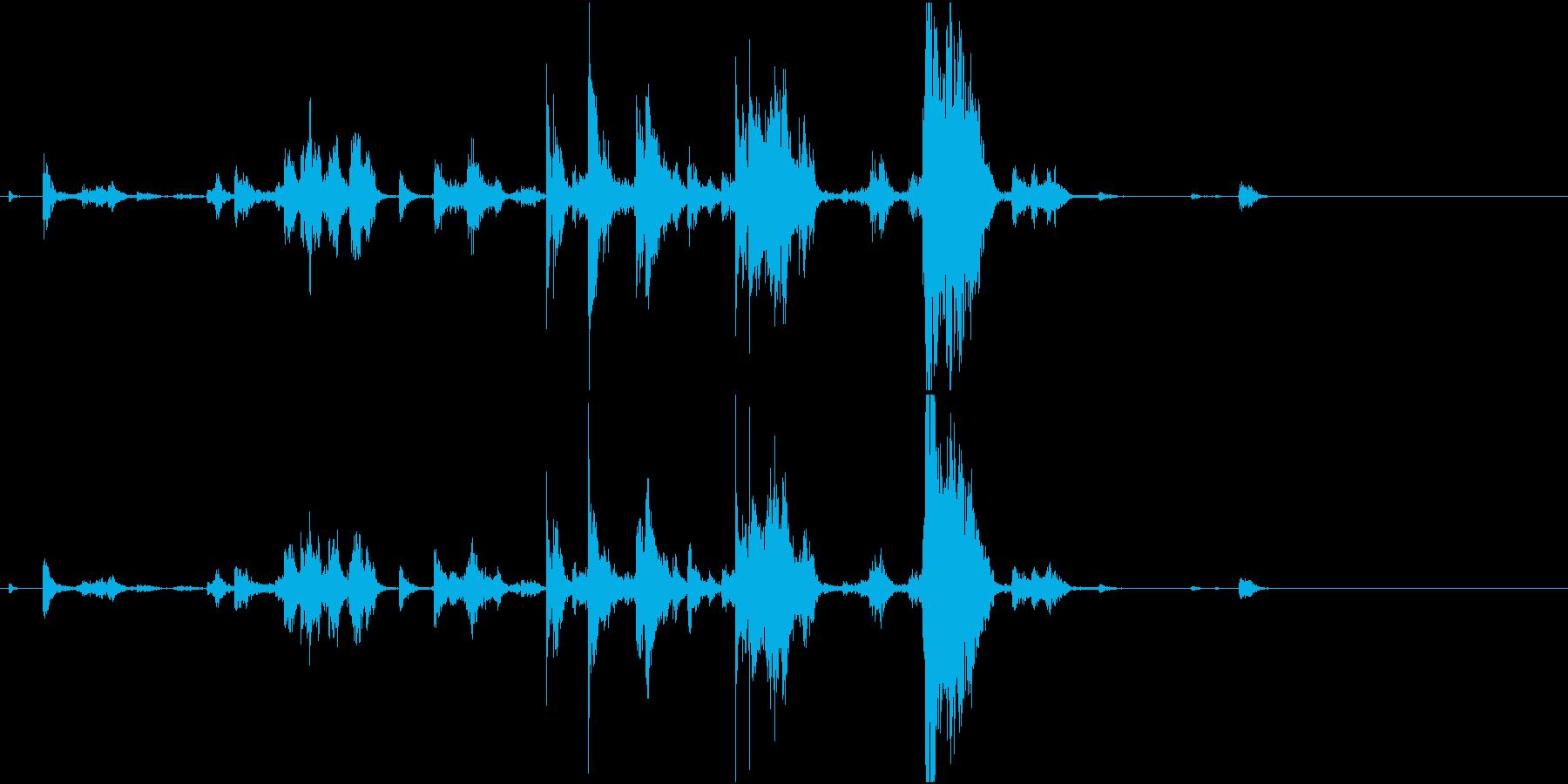 【生録音】手錠の音 5 手に持つ 準備の再生済みの波形