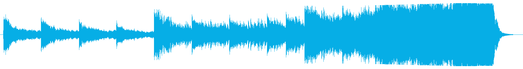 ピアノとオーケストラの壮大な曲の再生済みの波形