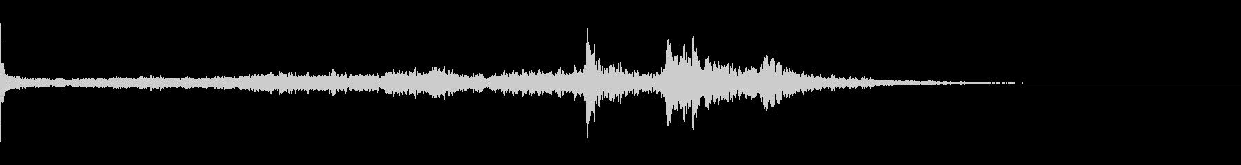 キーン(気配、耳鳴り)B6の未再生の波形