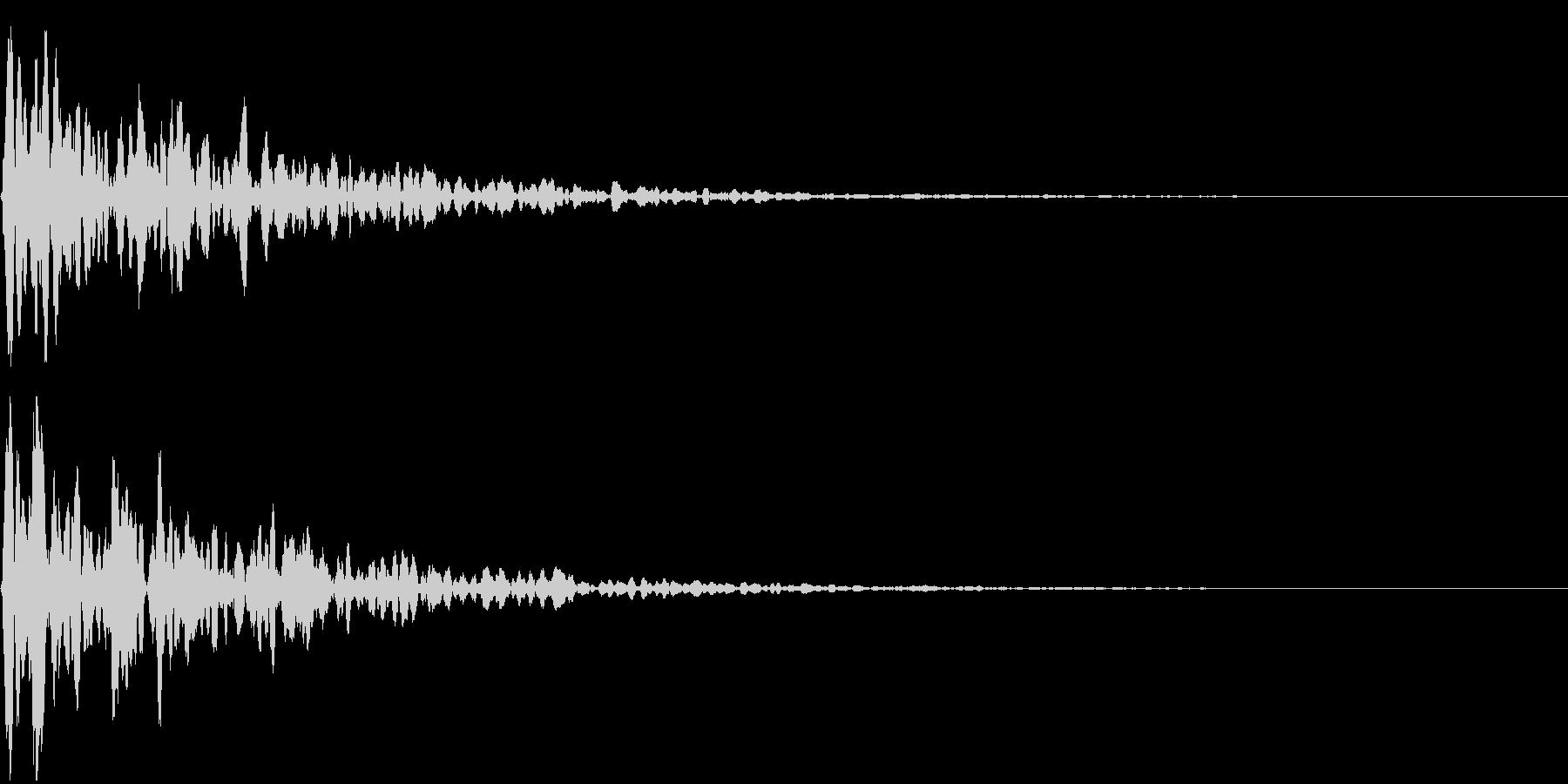 シネマチックな重低音インパクト1・ブーンの未再生の波形