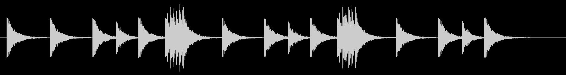 パーカッション-短い軍用ドラムロールの未再生の波形
