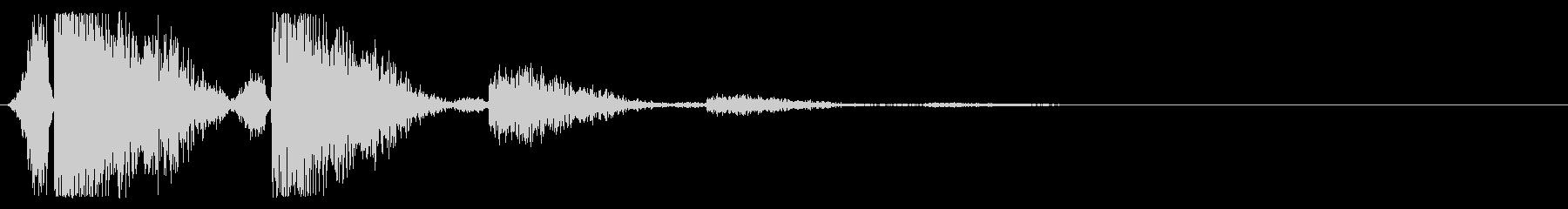 バシィッ(平手打ち・強/残響あり)の未再生の波形