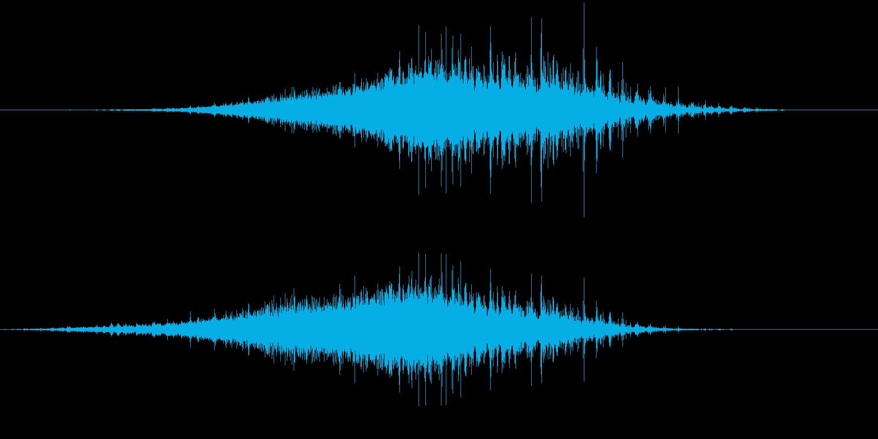 「シャラシャラ」数珠を擦った音 R-Lの再生済みの波形