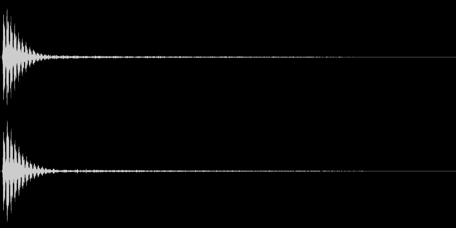 カン〜という、響きわたる音の未再生の波形