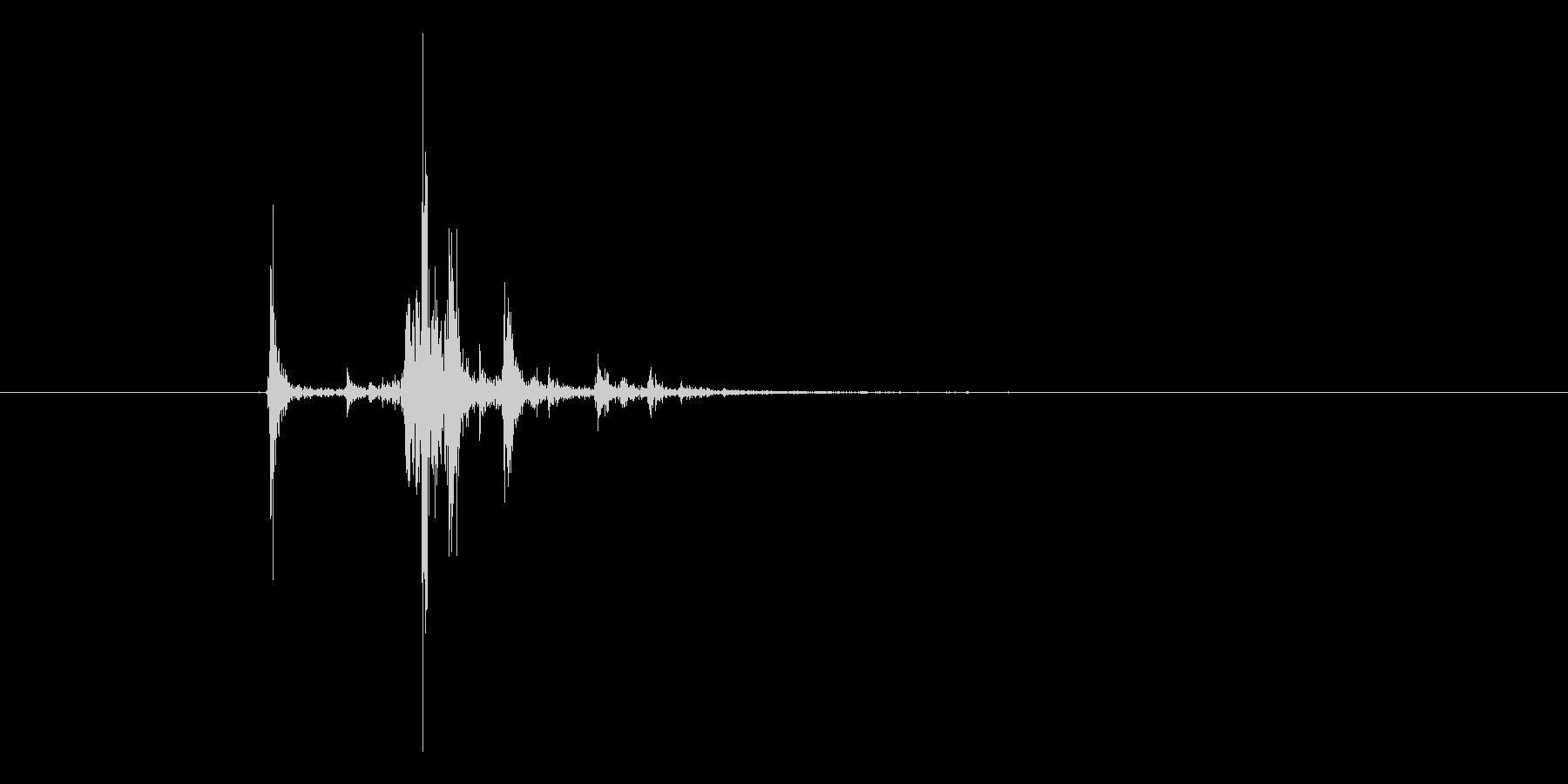カメラのシャッター音。「カシャ」の未再生の波形