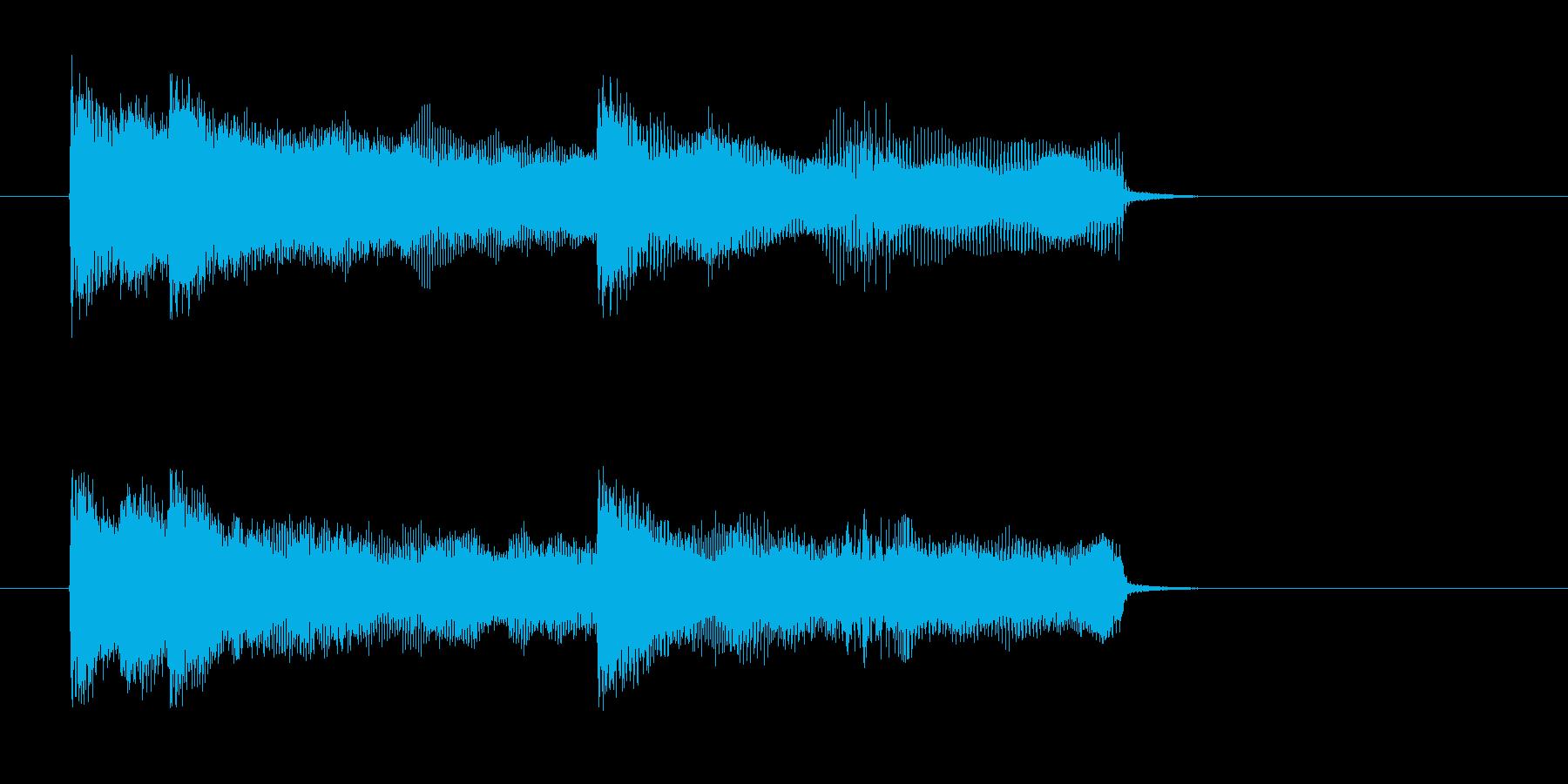 勢いがあるドラムとベースによるロックの再生済みの波形