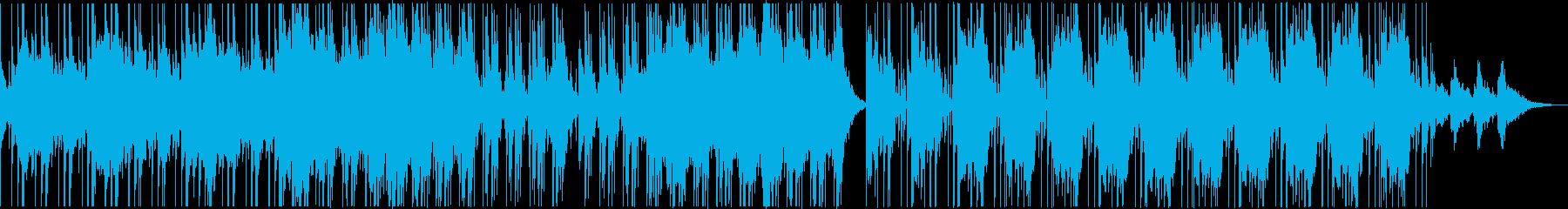 幻想的なベルとシンセとディープなリズムの再生済みの波形