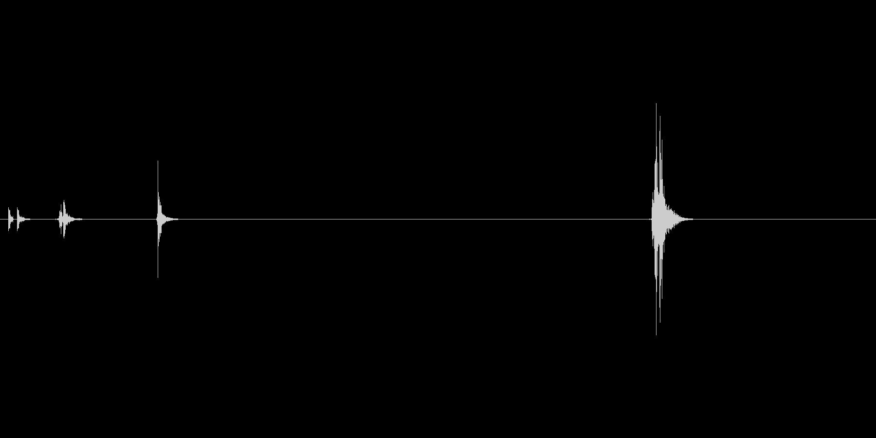 ハンドガン、マグナムタイプ。シリンダー…の未再生の波形