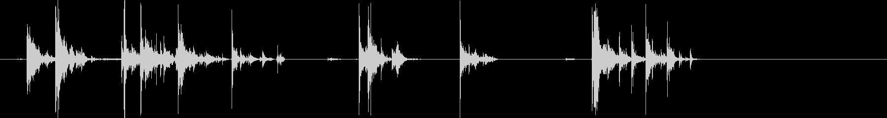 チャチャリン(数十枚のコインが落ち行く)の未再生の波形