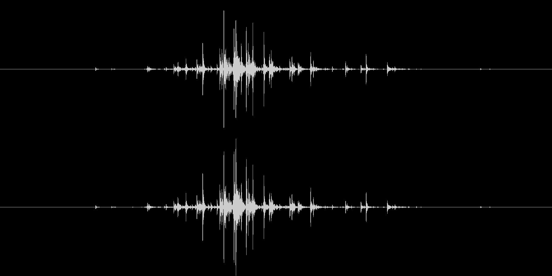 カラン(チャフチャスを一度振る音)の未再生の波形