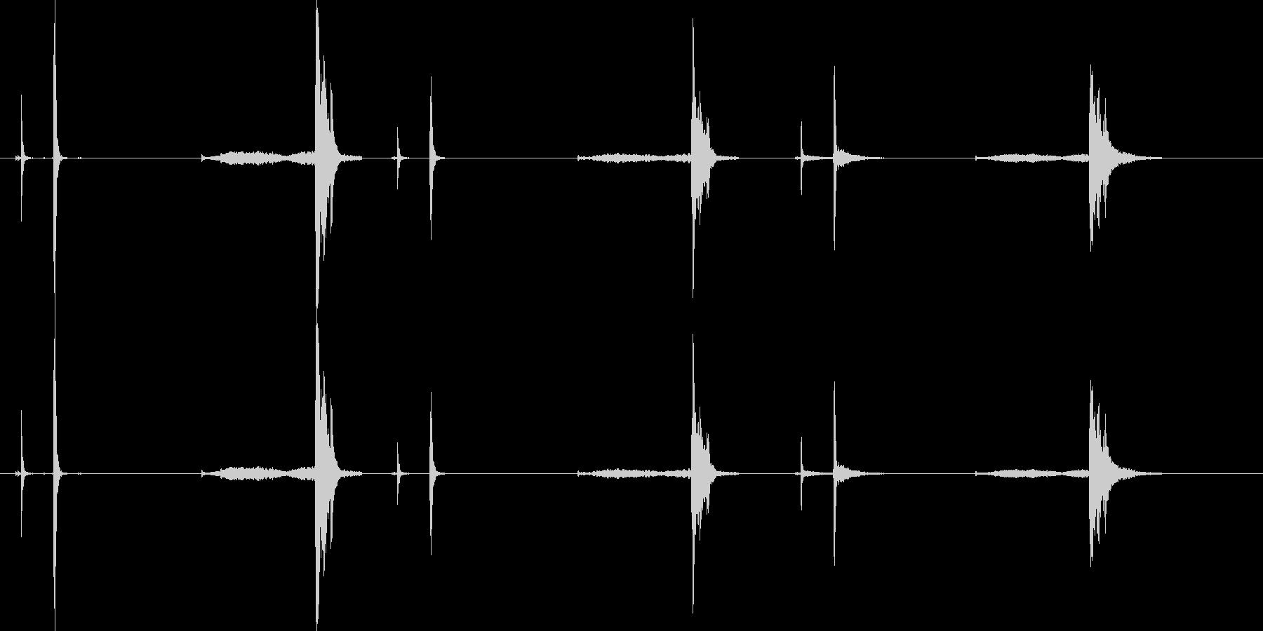 クリンクス-スプリング付き-3部屋の未再生の波形