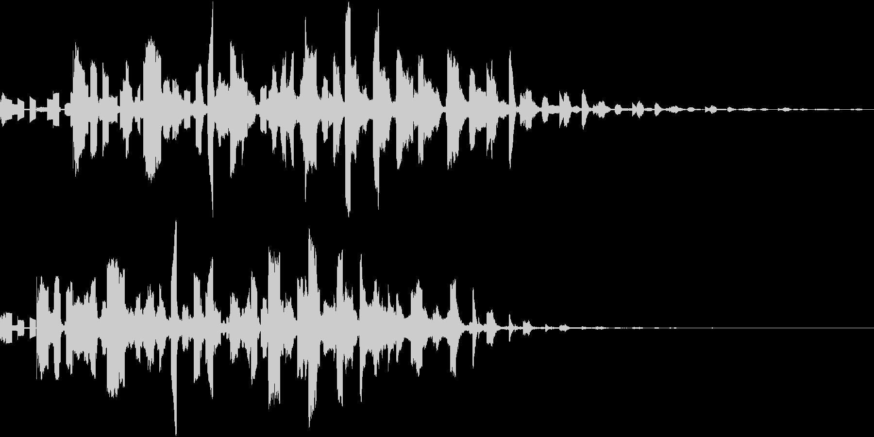 ロボットの鳥の機械的な鳴き声の未再生の波形