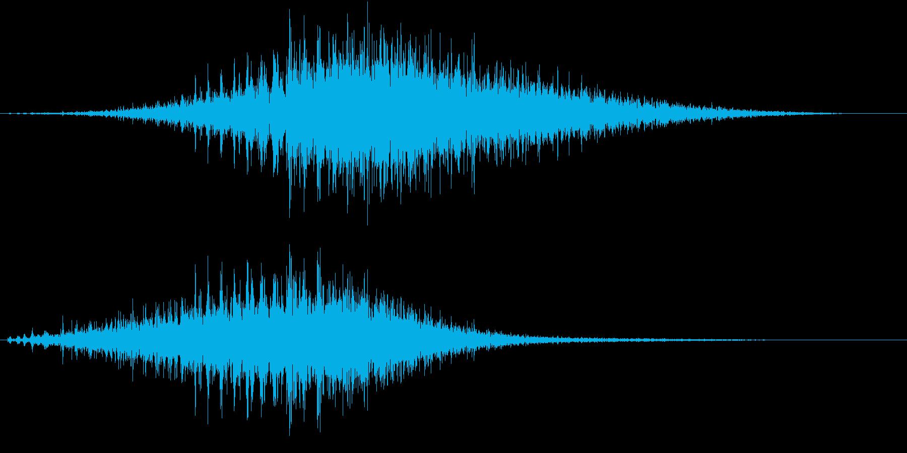 「シュルシュル」石を擦った鈴の音R-Lの再生済みの波形