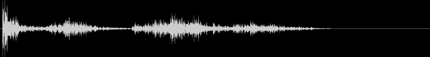 【生録音】ペンで書く音 机 4の未再生の波形