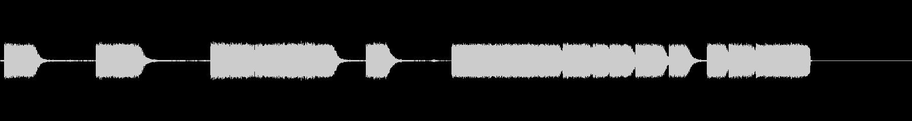 電圧の未再生の波形