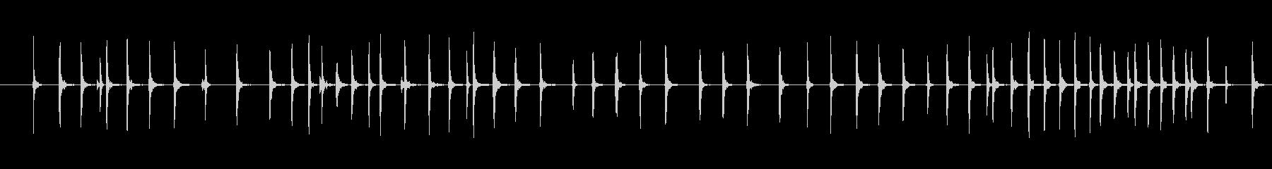 ゆっくりと巻き取られている釣りリー...の未再生の波形